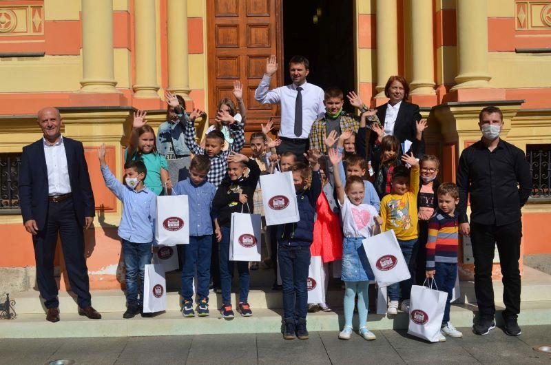 Upriličen prijem djece u Gradskoj vijećnici povodom Međunarodnog tjedna djeteta